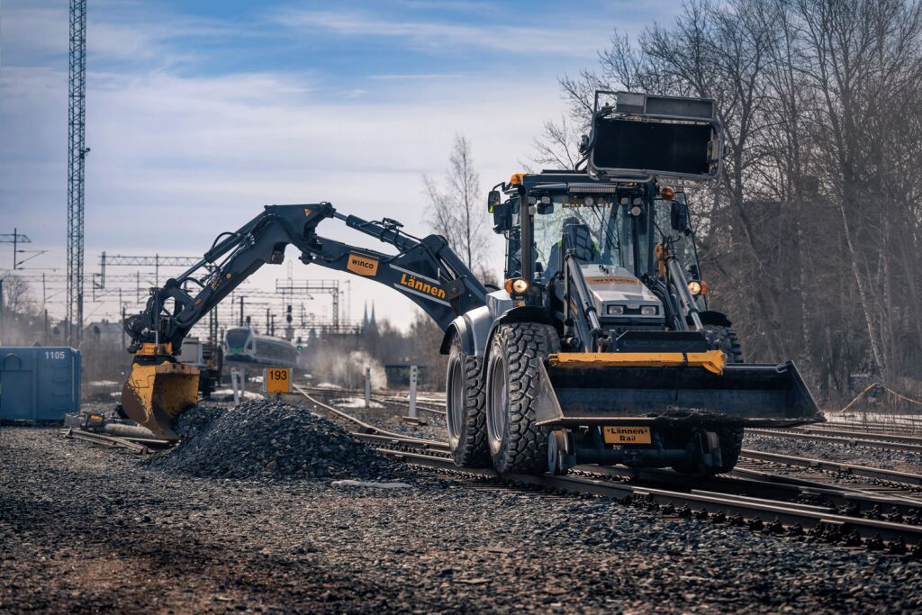 Special tire for special application – the Nokian Ground Kare Semi-Slick tire for backhoe loaders is tailormade for railway use
