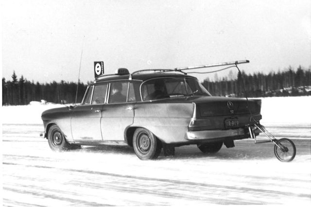Driving professionals, such as taxi drivers, have participated in the testing of the world's best winter tyres for many decades.