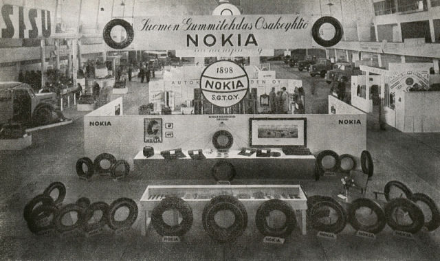 Suomen Gummitehdas's tyre exhibition at Helsinki Exhibition Centre in 1946.