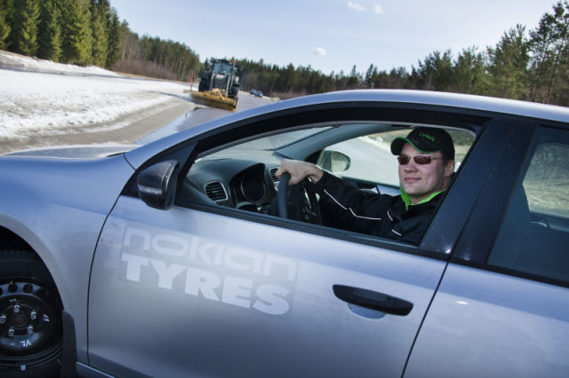 The world's first slush testing track in Nokia, together with unique testing methods, allows for optimising the slush properties of tires.
