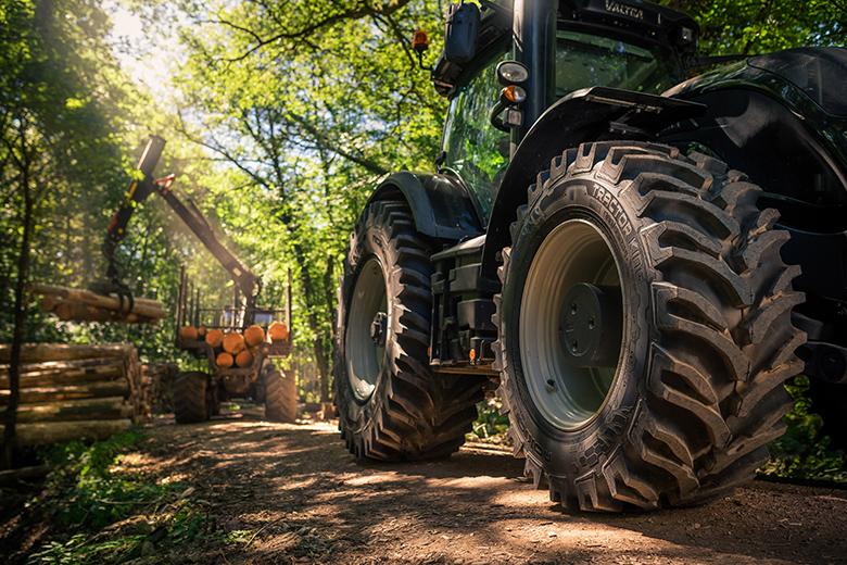 Nokian Renkaat tuo maatalouskonemessuille uutta tehokkuutta urakointiin