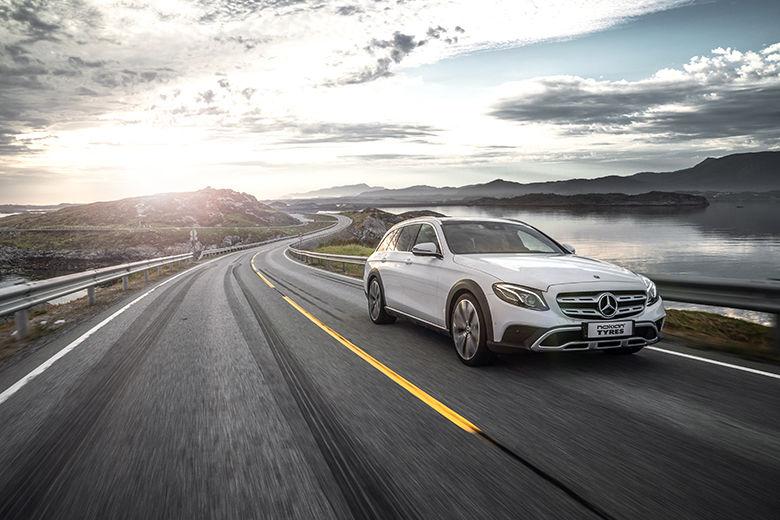 Nouvelle génération de pneus été : Pneu été Nokian Powerproof - Plaisir de conduite et sérénité sur les routes estivales d'Europe Centrale