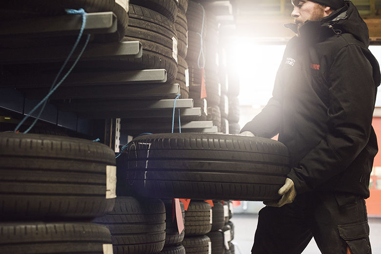 Extend the service life of your tires: store them in a cool, dry, and dark place