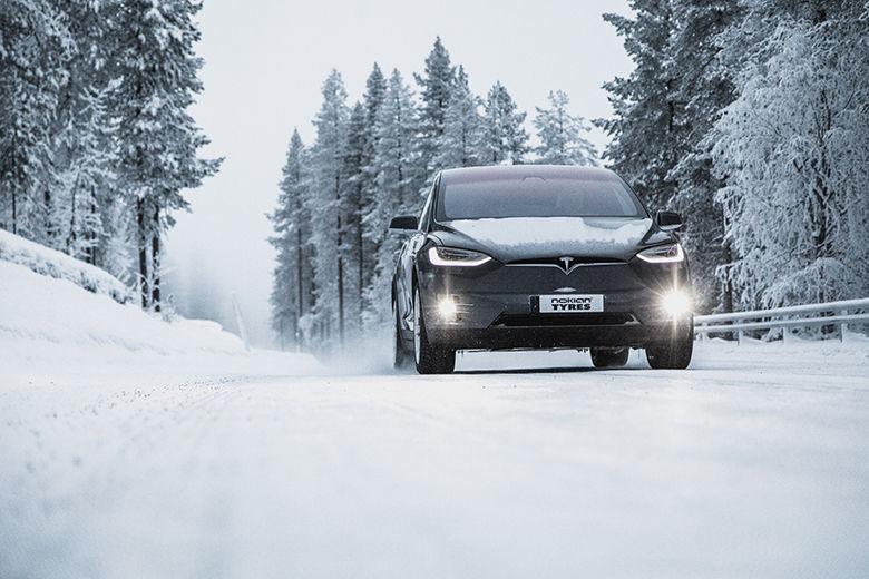 Шини Nokian Tyres  посіли призові місця в незалежних тестах автомобільних видань «Автоцентр» та «За рулем»