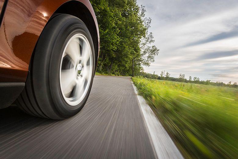 Miljövänlig bilist väljer en kompakt bil och däck i A-klass
