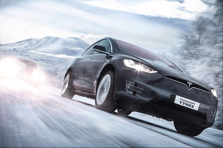 Pneumatici: il futuro è smart – gli automobilisti aspirano alla possibilità che reagiscano alle condizioni meteo