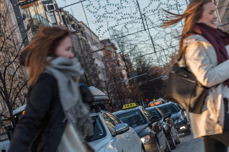 Dåliga däck, för korta avstånd och för höga hastigheter risker på vintern