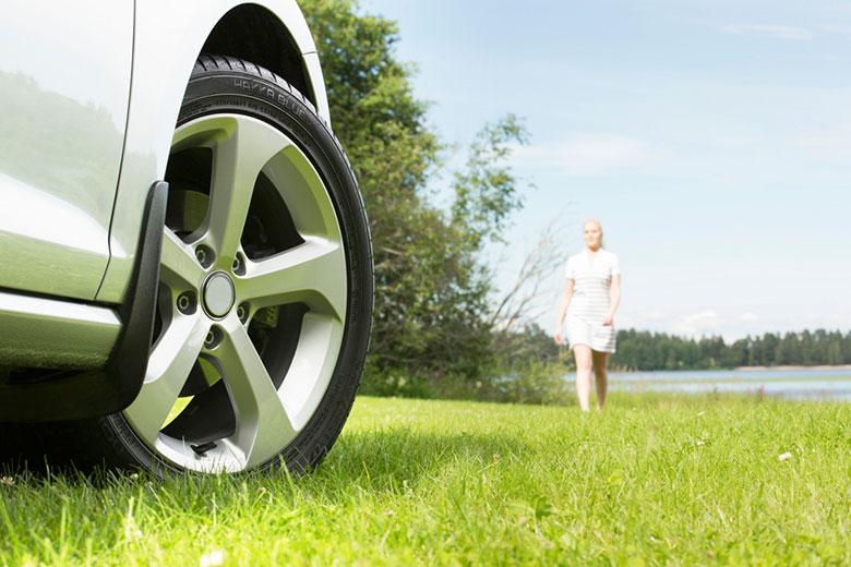 Enemmän turvallisuutta ja mielenrauhaa – Renkaiden kuntoa tarkkailemalla maksimoit renkaiden käyttöiän