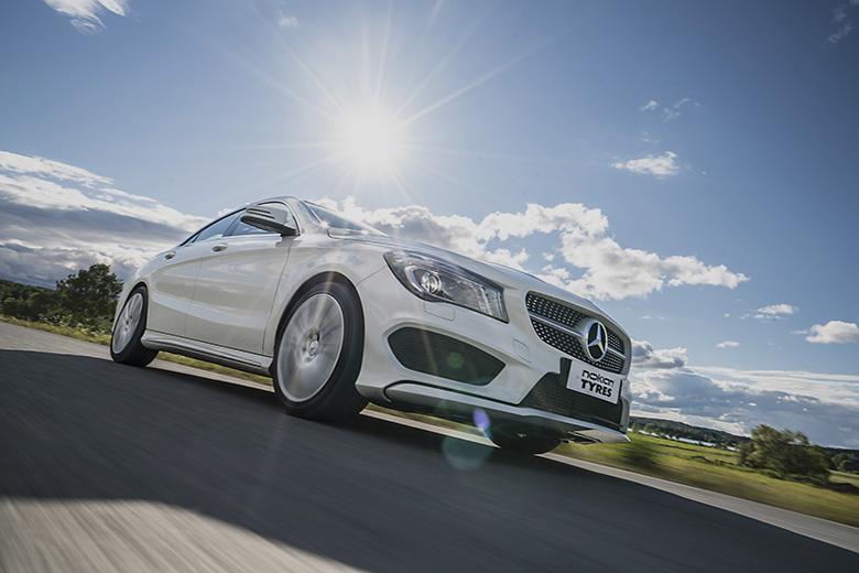 Насладете се на безопасно шофиране през лятото: Полезни съвети за предотвратявaане спукване на гумата